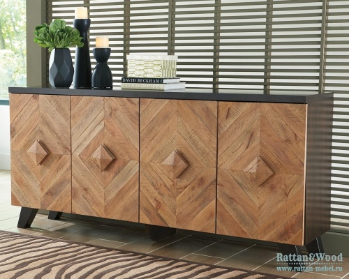 Буфет Robin Ridge, Ashley Furniture